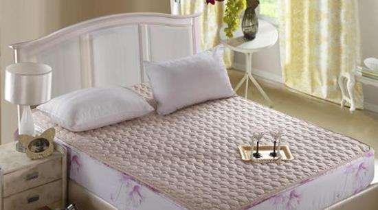 冬天床垫容易受潮发霉怎么办?
